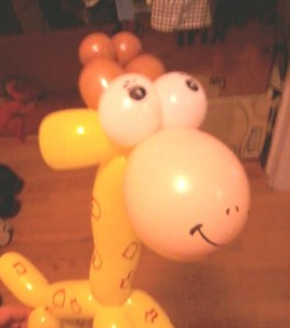 giraffe balloon animal